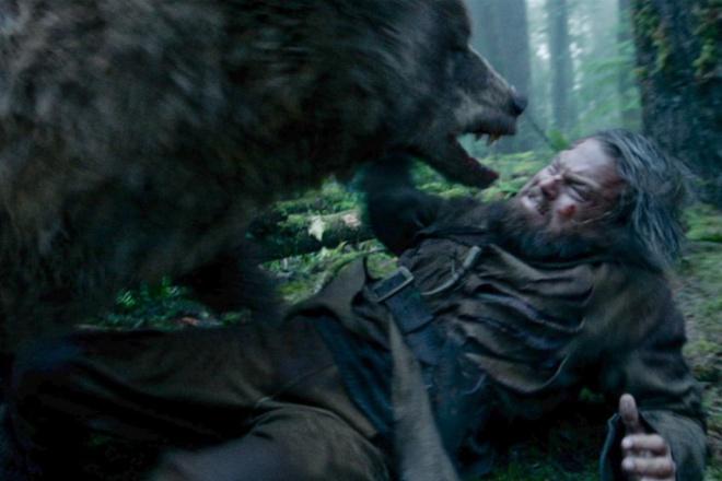<center><b>Кому принадлежит роль медведицы в