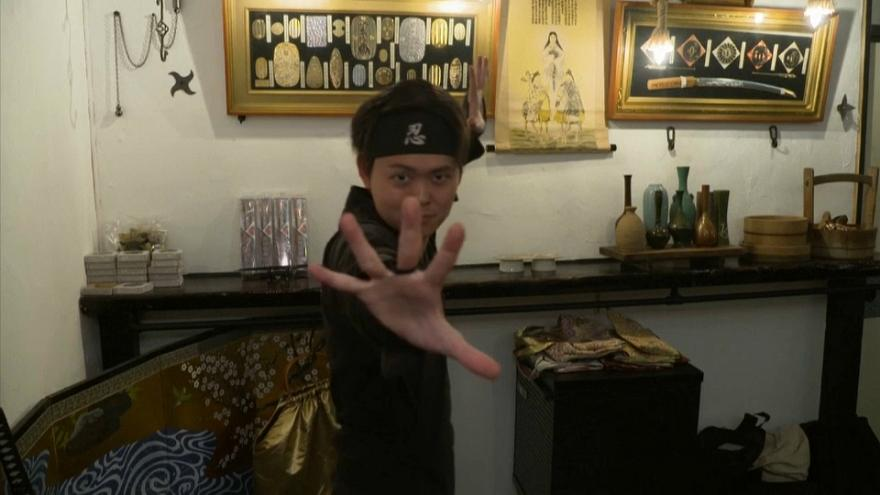 В Токио открыли ниндзя-кафе