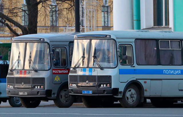 Житель Набережных Челнов пожаловался на неудобные автозаки