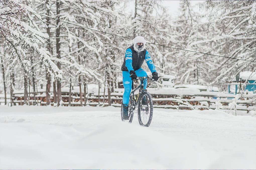 Поляк решил объехать зимнюю Якутию на велосипеде