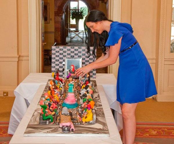 Британский кондитер представил самый дорогой торт в мире