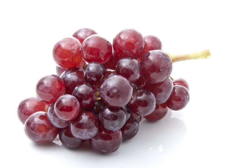 Самый дорогой виноград продан с молотка в Японии