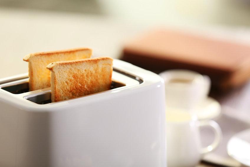 Жительница Канады «куда-то нажала» и купила 222 тостера